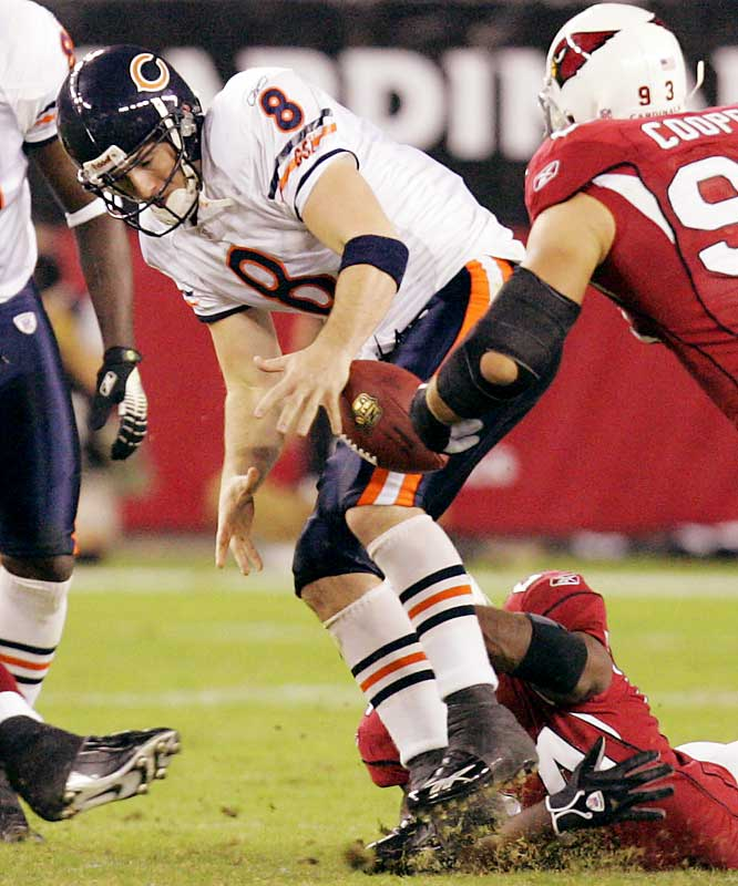 0-4 ... Rex Grossman of the Bears was the winning quarterback against the Cards despite throwing no touchdowns and four interceptions. That made him the first quarterback in seven years to throw four or more interceptions and no TDs and still be a winning quarterback. The last to do it was Erik Kramer of the Chargers, who had four interceptions and no touchdowns in a 13-10 win over Seattle in 1999.