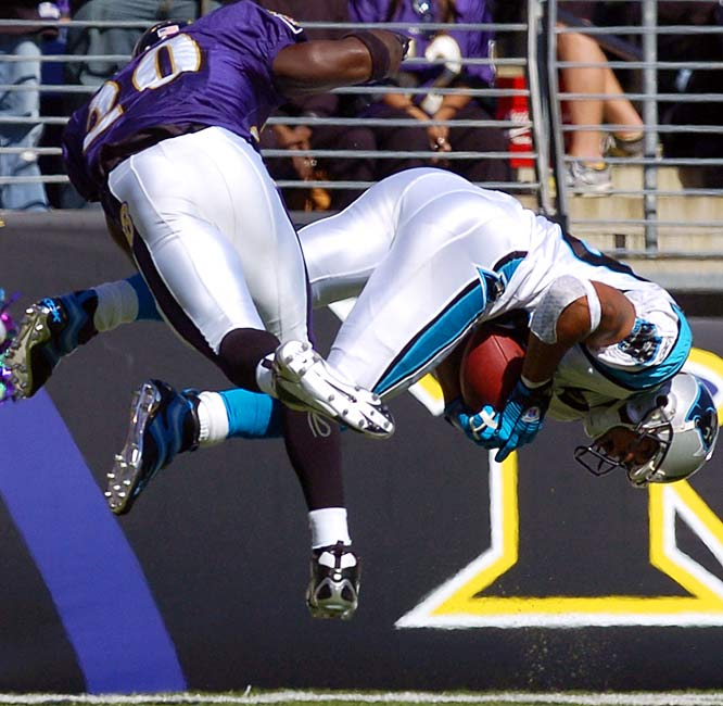 189 ... Since Week 7 of the last year, Steve Smith of the Panthers has as many receiving performances of 189 or more yards (two) as everybody else in the NFL combined. Smith had 201 yards against the Vikings last Oct. 30 and 189 yards against the Ravens on Sunday. The only other players to reach 189 yards in a game during that span are Chad Johnson (189 vs. the Colts last Nov. 20) and Chris Chambers of the Dolphins (238 vs. the Bills last Dec. 4). Smith, Johnson and Chambers were all 2001 draft picks, though none was drafted in the first round.