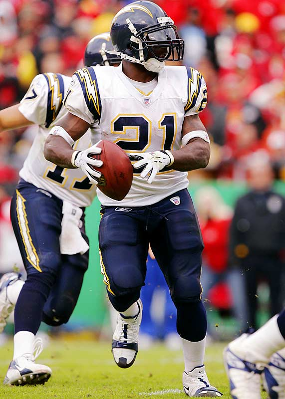 6 ... Chargers running back LaDainian Tomlinson's one-yard touchdown pass to Brandon Manumaleuna against the Chiefs was Tomlinson's fifth career TD pass. Since the AFL-NFL merger in 1970, among non-quarterbacks only Walter Payton (with eight) and Greg Pruitt, Keith Byars and Marcus Allen (six each) have thrown more TD passes. But by completing six of nine passes with no interceptions, Tomlinson has by far the highest passer rating of that group at 146.8. Next-highest is Allen at 106.8 and then Byars at 86.2. Tomlinson is the only non-quarterback in NFL history to throw six or more passes without an interception.