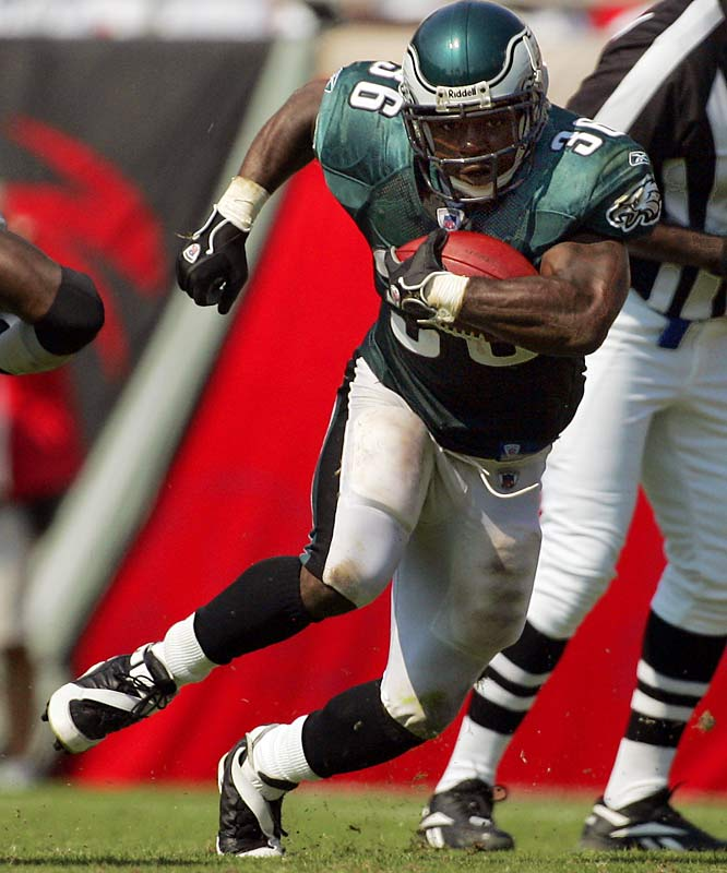 100-100 ... Brian Westbrook became the first player in 20 years to have 100 yards rushing and 100 yards receiving in the same game despite getting 20 or fewer total touches on offense. Westbrook was 13-for-101 rushing and 7-for-114 receiving against the Buccaneers. The last player with 100 yards rushing and receiving in the same game on 20 or fewer touches was Herschel Walker of the Cowboys against the Eagles on Dec. 14, 1986. Walker was 6-for-122 rushing and 9-for-170 receiving. Four players -- Walker, Johnny Hector, James Brooks and Marcus Allen -- had 100-100 games in 1986. Since then, only Westbrook and Priest Holmes (twice, in 2001 and '02) have done it.
