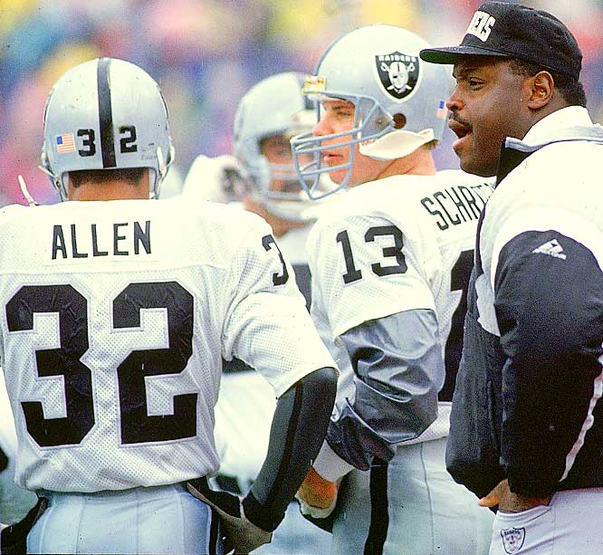 Allen had a bitter feud with Raiders owner Al Davis, and Shell got caught in the middle. Shell, a longtime warrior for Davis, sided with the owner and cut the future Hall of Famer's playing time.
