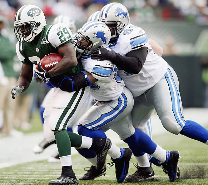 Jets running back Leon Washington rushed for 129 yards on 20 carries, scoring his first two career touchdowns in the game against Detroit at Giants Stadium. The Jets had gone 20 consecutive games without scoring a first-quarter touchdown until Washington's five-yard touchdown run on the opening drive.