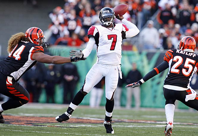 Michael Vick had another impressive outing, throwing for 291 yards and three touchdowns against Cincinnati. Vick has completed seven touchdown passes in his last two games after throwing only three in his first five games of the season.