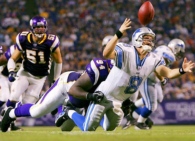 Vikings defensive tackle Pat Williams forced Lions quarterback Jon Kitna to fumble in the fourth quarter, which was recovered by Minnesota linebacker Ben Leber (51) for a touchdown. The Vikings scored 23 unanswered points in the fourth quarter.