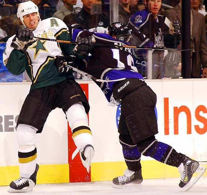 Mike Modano of the Stars did not appear to enjoy being treated rudely by Sean Avery of the Kings on Oct. 14 in Los Angeles.