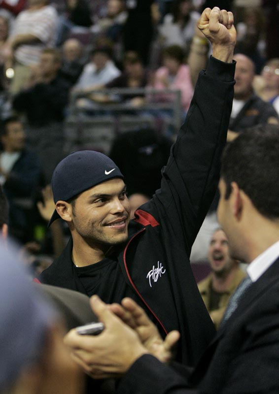 With plenty of time off before the start of the World Series, Detroit hero Ivan Rodriguez took in a Pistons preseason game.