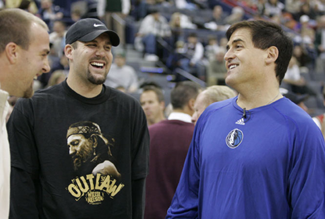 Despite a string of bad luck, Ben Roethlisberger can still laugh. Maybe he was staring at Mark Cuban's hair.