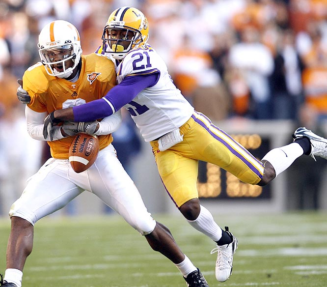 Robert Meachem (left) caught five balls for 121 yards and two scores, but Chevis Jackson and the Tigers rallied to beat the Vols and knock them out of the SEC East title race.