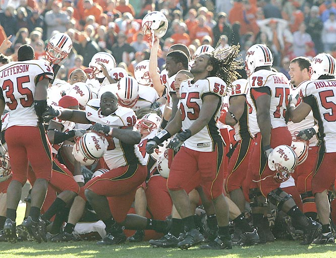 The Terrapins used a 31-yard field goal from Dan Ennis as time ran out to further complicate an already crazy ACC title chase.