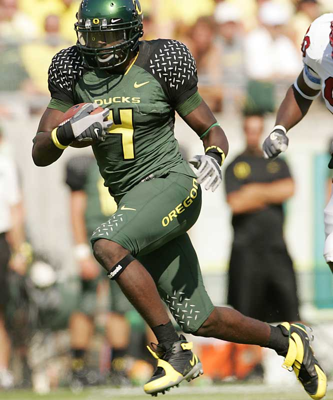 In the pass-happy Pac-10, Williams is the conference's only receiver averaging more than 100 yards per game (102.6). At 6-foot-5, 243 pounds, Williams makes NFL scouts drool. His precise route-running has made him a perfect replacement for Demetrius Williams as the Ducks' No. 1 receiver.
