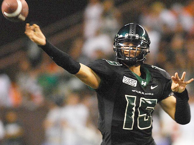 Colt Brennan threw for 434 yards and three second-half touchdowns as the Warriors won their ninth straight.