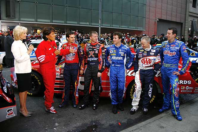 Good Morning America hosts Diane Sawyer and Robin Roberts grill some of the drivers taking part in the New York festivities.