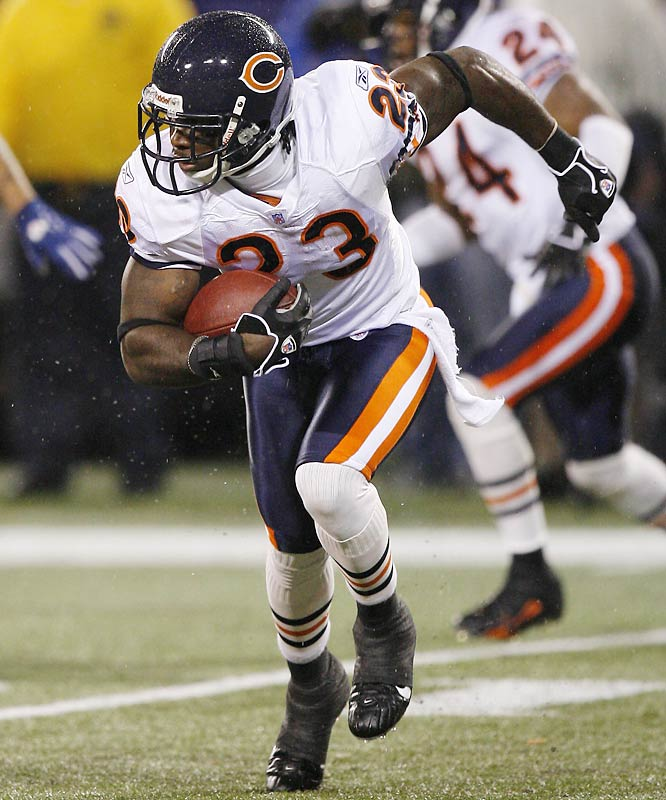108 ... Devin Hester's 108-yard return of a missed Jay Feely field goal attempt was the longest play in NFL history by a rookie. The previous longest play by a rookie was a 106-yard kickoff return by Noland Smith of the Chiefs on Dec. 17, 1967. Hester's return matched the longest play in NFL history, a 108-yard return last year by Hester's teammate, Nathan Vasher, of a missed 52-yard field goal attempt by 49ers kicker Joe Nedney.