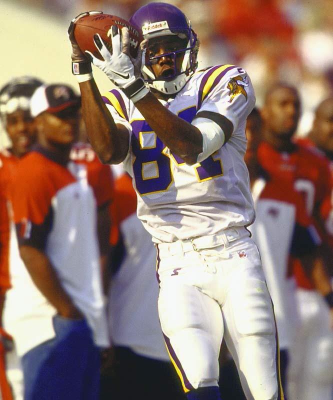 The Vikings started out 7-0, which is modest for this list, but in retrospect they were very close to matching the Dolphins' undefeated season in 1972. They lost to the Bucs 27-24 and then rolled through the rest of their schedule to finish 15-1. Led by rookie receiving Randy Moss and rejuvenated quarterback Randall Cunningham, the Vikes had the most prolific offense in NFL history. But they choked in the NFC Championship Game, falling 30-27 to the Falcons in overtime.