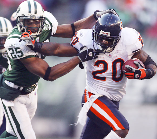 Chicago running back Thomas Jones rushed for a season-high 121 yards on 23 carries, his third 100-yard performance in his last four games. With a win the previous week over the Giants, the Bears now have as many wins (2) at Giants Stadium as the Jets this season.