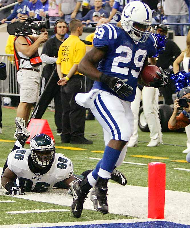 3 ... Joseph Addai had TD runs of 10, 15 and 10 yards in the first half of the Colts' win over the Eagles, making him the second rookie in NFL history with three rushing touchdowns of 10 yards or more in a first half. On Oct. 31, 1988, another Colt, Eric Dickerson, had TD runs of 12 and 11 yards in the first quarter and 41 yards in the second quarter.