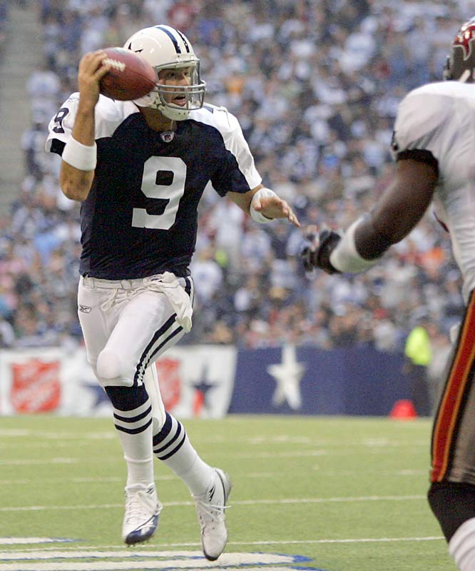5 ... Cowboys quarterback Tony Romo is the first quarterback since the AFL-NFL merger in 1970 to put together a game with five touchdown passes, 300 passing yards and no interceptions within his first five NFL starts. The only quarterback to come close during that span was Kurt Warner in 1999, who had 323 yards, five touchdowns and one interception in his fourth career start, against the 49ers. In the second half of his last three starts, Romo has completed 29 of 31 passes for 409 yards, three TDs and no interceptions.