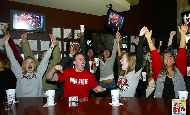 Buckeye fans celebrate with the announcement of Troy Smith winning the 2006 Heisman Trophy at Eddie George's Grille, coincidentally the last Buckeye to win the Heisman.