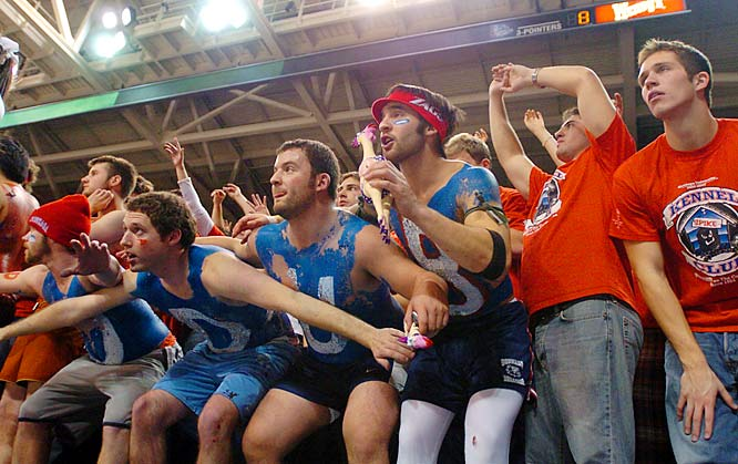 These Gonzaga fans could barely contain themselves as the clock ticked down late in their team's 97-77 victory over Washington on Saturday.