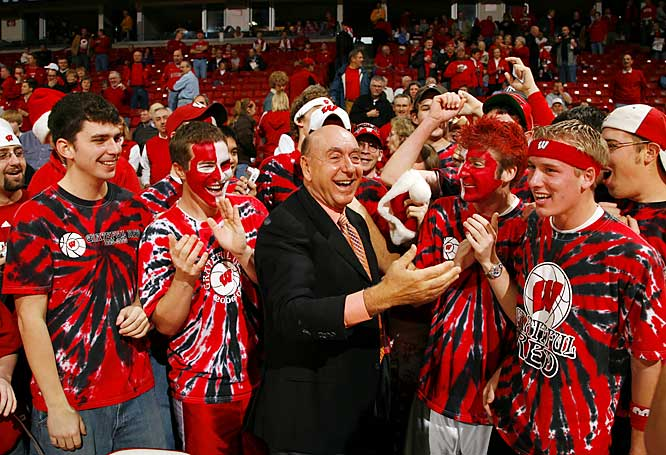 Dick Vitale gets to know some Wisconsin students before the Badgers 89-75 victory over Pitt last Saturday.