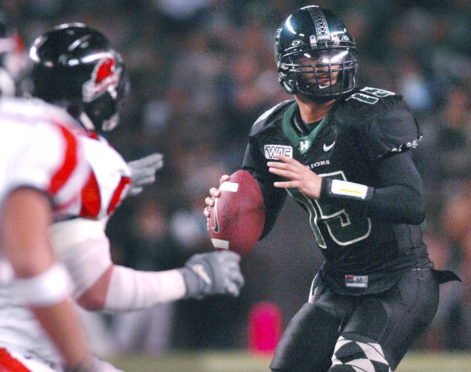 Colt Brennan threw for 399 yards and two touchdowns in the Warriors' loss to Oregon State, one TD shy of tying David Klingler's single-season record of 54.