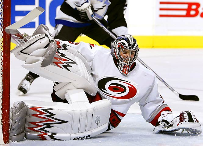 The rookie netminder posted modest numbers (14-8, 3.68 GAA) in 28 regular-season games before being called upon to replace ailing starter Martin Gerber early in the 2006 playoffs. Ward sparkled, with 15 wins (two shutouts) and a 2.14 GAA, capturing the Conn Smythe Trophy (playoff MVP) as the Hurricanes won the Stanley Cup. This season, he is ranked among the NHL's top 10 goalies in victories.