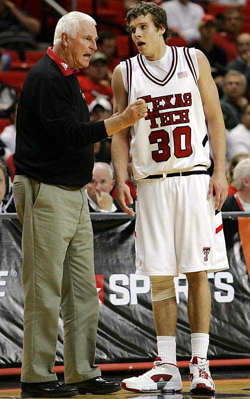 During win No. 871, Knight slapped sophomore forward Michael Prince and later explained that he was merely trying to tell the player to step up and have more confidence. Both Prince and his parents said afterward that Knight did nothing wrong and Texas Tech took no action against the coach.