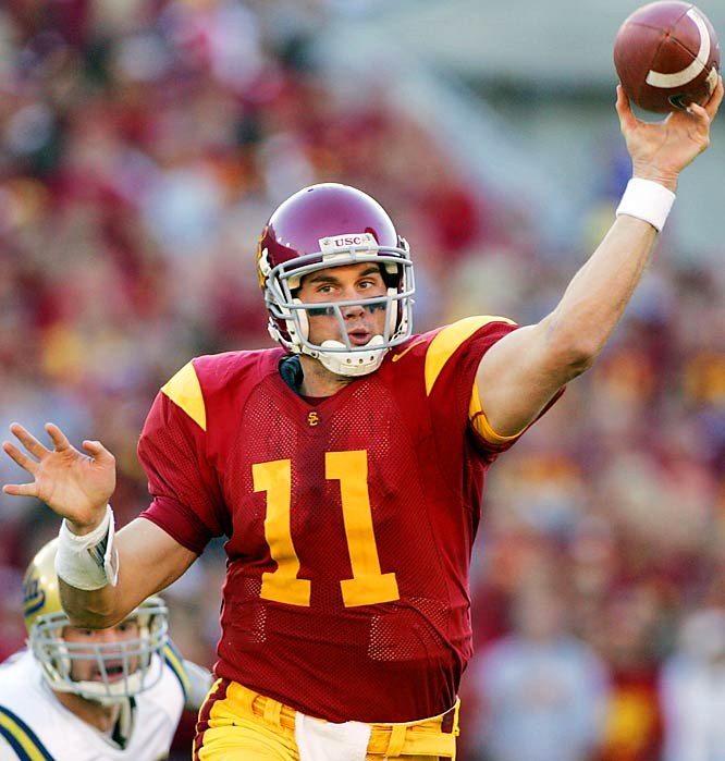 Leinart led the USC to its second consecutive national title (at least according to the AP poll), throwing for 3,322 yards 33 touchdowns and just six interceptions. Leinart edged out Adrian Peterson and Jason White to win the award.