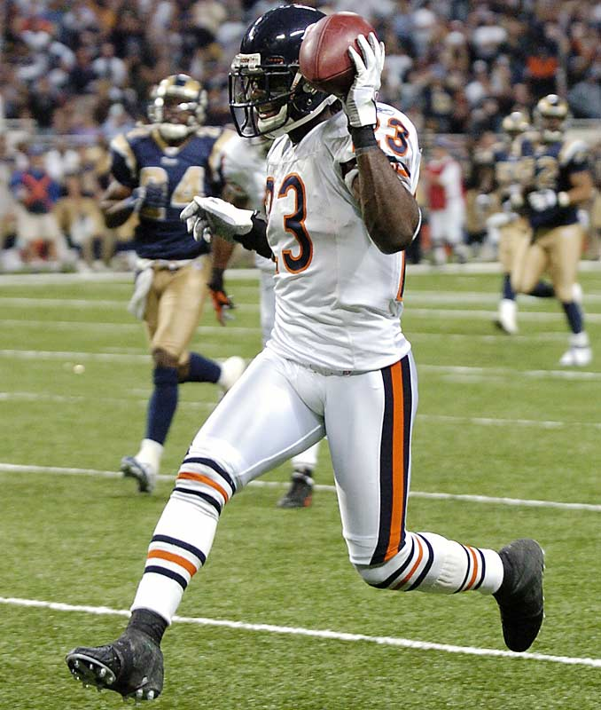 "Last Week: 5<br><br>Hester set an NFL record with his fifth and sixth returns for touchdowns this season against the Rams on Monday night. He has three punt returns for TDs, two kickoff returns and a return of a missed field goal. Hester is already being mentioned in the same class of all-time return greats such as Deion Sanders and Billy ""Whiteshoes"" Johnson."