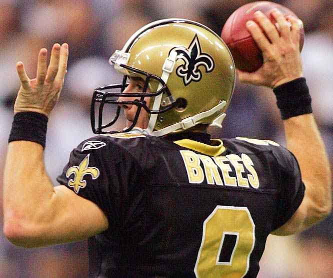 5 ... Saints quarterback Drew Brees threw five touchdown passes against Dallas a week after Cowboys' quarterback Tony Romo threw five touchdowns against the Buccaneers. That made the Cowboys the first team in 17 years, and only the second team since the 1970 AFL-NFL merger, to allow five TD passes one week after getting five TD passes from their own quarterback. On Sept. 17, 1989, Randall Cunningham threw five TD passes in a 42-37 win over the Redskins. Seven days later, Joe Montana threw five TD passes in the 49ers' 38-28 win over the Eagles.