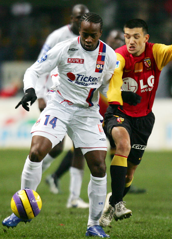 Sydney Gouvou (left) and five-time defending champion Lyon continued their romp through the French league, routing second-place Lens and opening a 17-point lead in Ligue 1. Lyon has lost only once in 18 league matches.