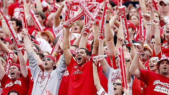 Wisconsin fans celebrate after a second quarter touchdown pass from John Stocco to Travis Beckum during the Badgers 17-14 victory over Arkansas in the Citrus Bowl.
