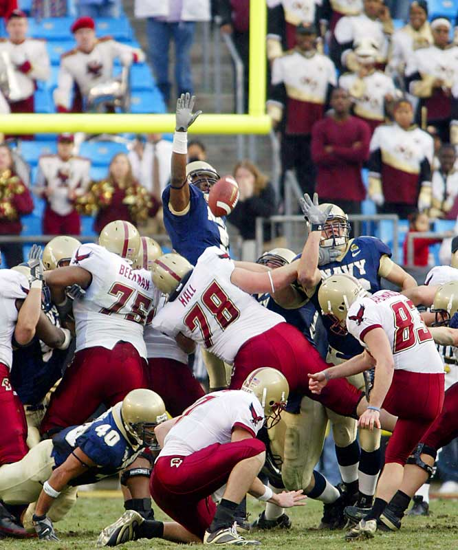 Walk-on kicker Steve Aponavicius made a career-best 37-yard field goal on the final play for the victory.