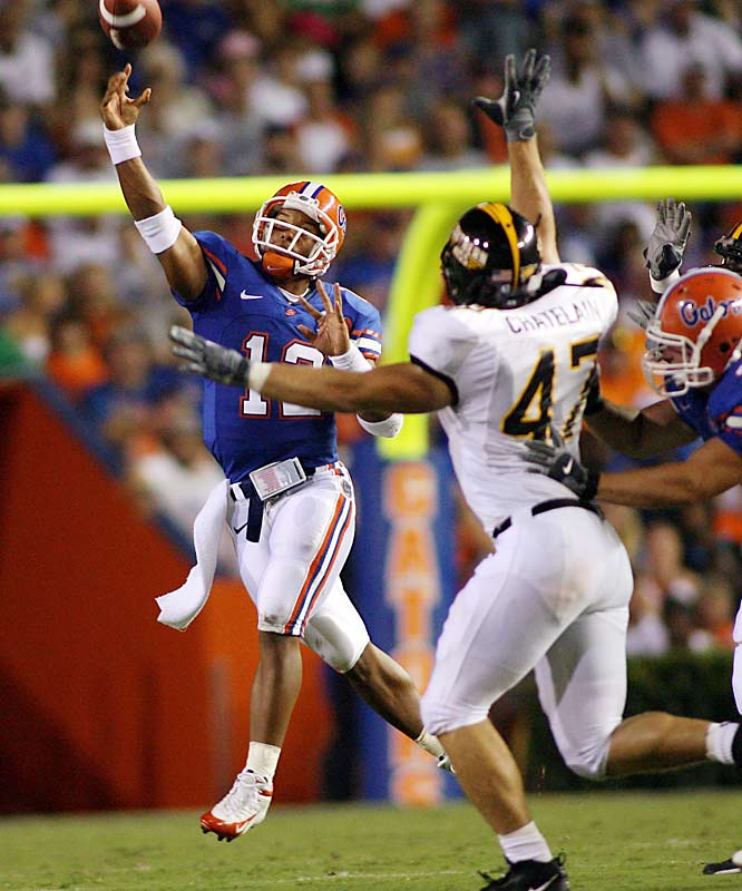 The Gators kick off the season with an easy win as Chris Leak throws three touchdown passes.