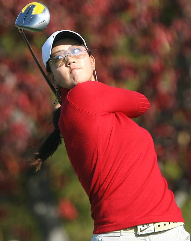 The 17-year-old Wie struggles in this Japanese Tour event, shooting 81-80 to miss the cut at 17-over.