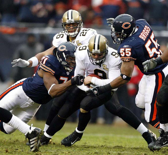 Led by linebacker Lance Briggs (55), the Bears defense broke through to sack Saints quarterback Drew Brees, who was sacked three times, losing 35 yards.
