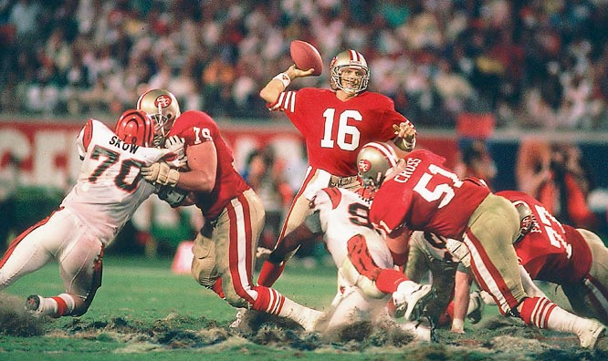 San Francisco 49ers quarterback Joe Montana passing against the Cincinnati Bengals in Super Bowl XXIII.