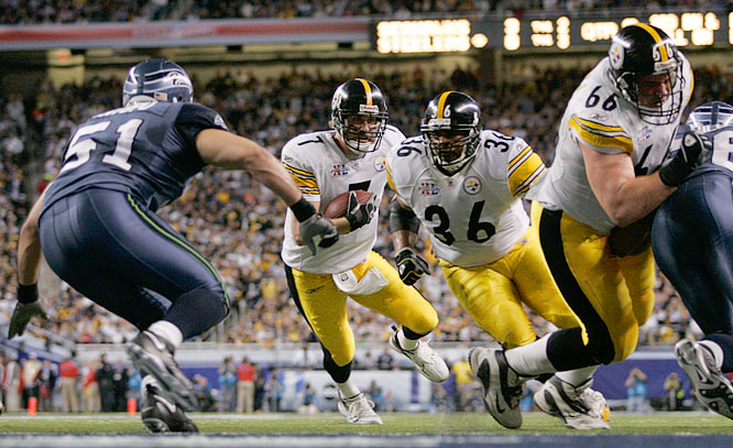 Pittsburgh Steelers quarterback Ben  Roethlisberger chooses to run against the Seattle Seahawks in Super Bowl XL.