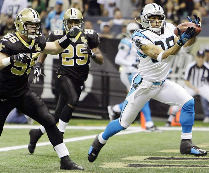 Wideout Steve Smith catches a 22-yard touchdown pass in the first quarter as Carolina's starters beat the Saints' reserves in a game without postseason implications.
