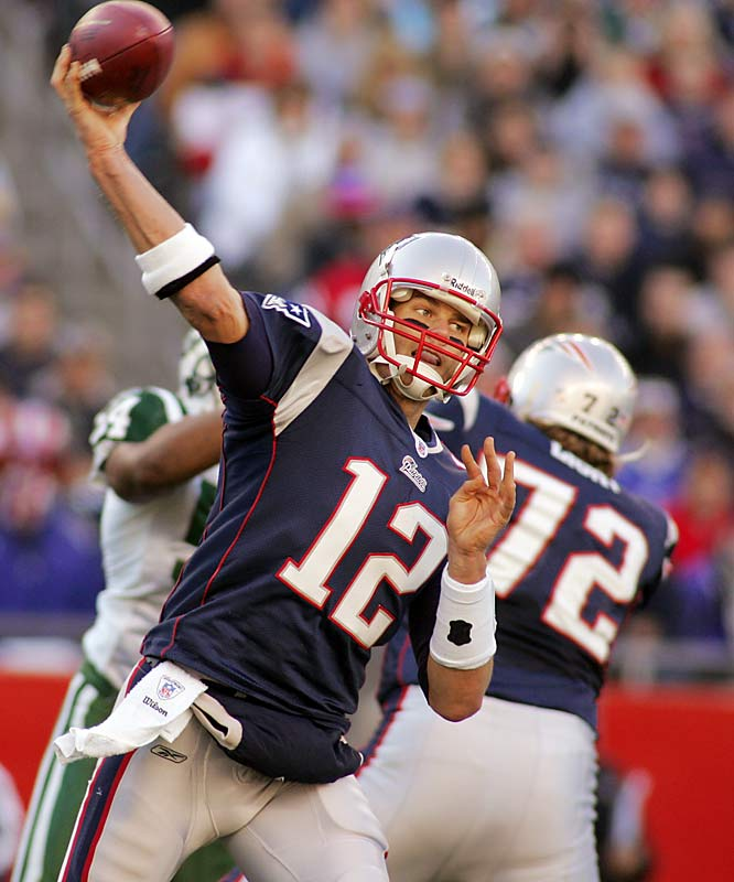 Tom Brady completed 22-of-34 passes for 212 yards and two touchdowns, improving to 10-2 against the Jets.