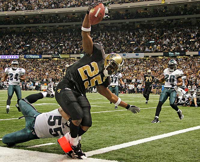4 ... Reggie Bush's four-yard rushing touchdown against the Eagles not only was the longest TD run in Saints postseason history, it was twice as long as all previous rushing touchdowns in Saints playoff history combined. The only previous rushing TDs in Saints history were one-yarders by Dalton Hilliard in 1991 and Craig Hayward in 1992. Bush's record didn't last long though. Deuce McAllister's five-yarder broke it later in the game.