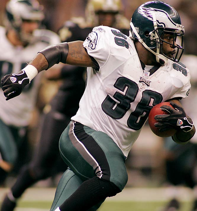 116 ... Brian Westbrook of the Eagles had a 62-yard touchdown run against the Saints a week after a 49-yard TD run against the Giants making him the first player in NFL history with TD runs of 49 yards or more in consecutive postseason weeks.