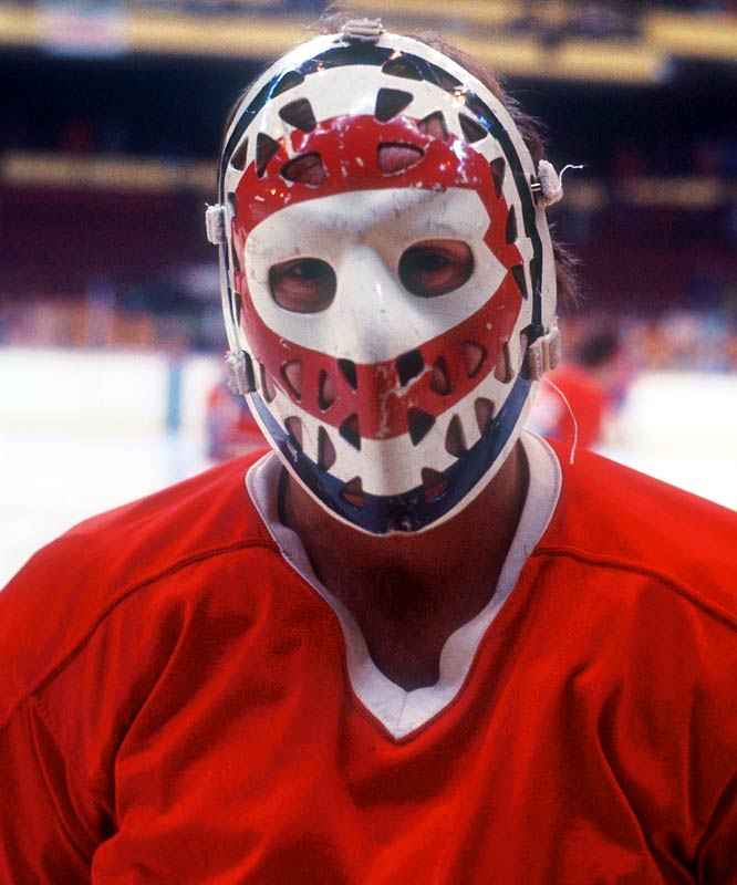 Who is that masked man? A humble rookie goaltender called up from the AHL by the Canadiens in the spring of 1971 and not expected to make much of an impact. But Ken Dryden would soon win a Stanley Cup (and several others after that), eventually becoming a legend in Montreal.