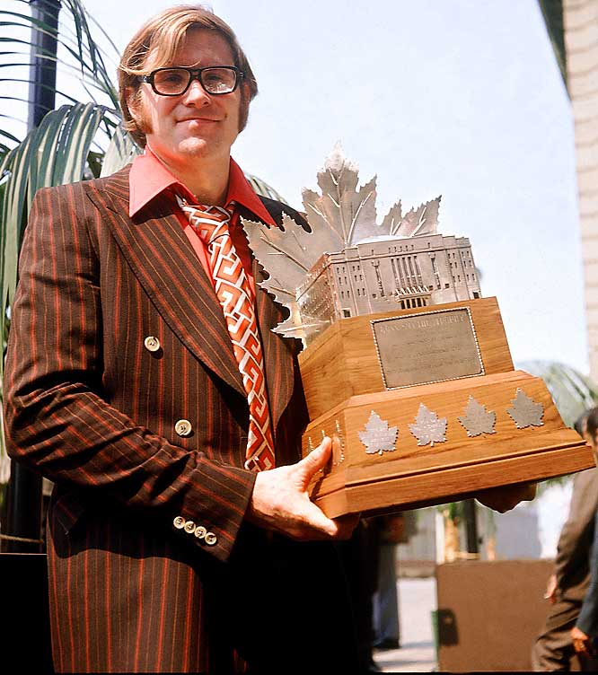 Dryden's playoff heroics and numbers (12-8, 3.00 GAA) earned him the Conn Smythe Trophy on a team that featured such all-time greats as Jean Beliveau, Henri Richard and Yvan Cournoyer.