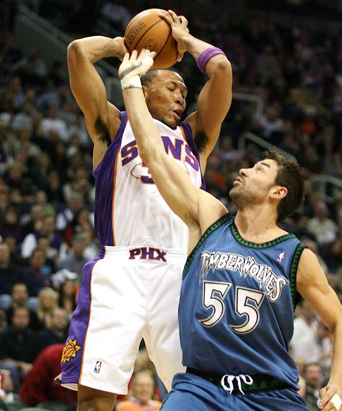 Shawn Marion scores 17 points and pulls down 20 rebounds ... then sits out the fourth quarter against a Timberwolves team without the suspended Kevin Garnett and Ricky Davis.