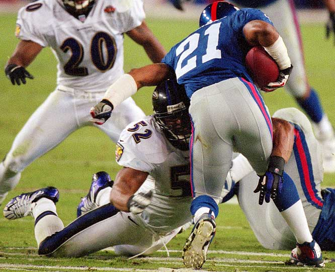 Lewis led a ferocious Ravens defense in a 34-7 win over the Giants in Super Bowl XXXV. He was the first linebacker on a winning team to snag MVP honors.