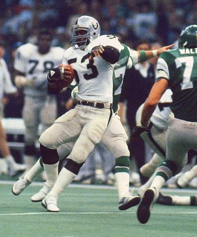 Martin starred in Super Bowl XVwhen he had three interceptions in a win over the Eagles. He had another strong game in the Raiders' victory over the Redskins in Super Bowl XVIII.