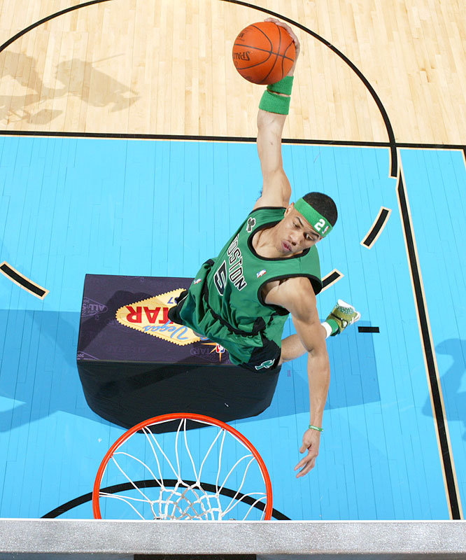 Green brought out another prop for his final dunk, jumping over a table and scoring a perfect 50 to cap the win.