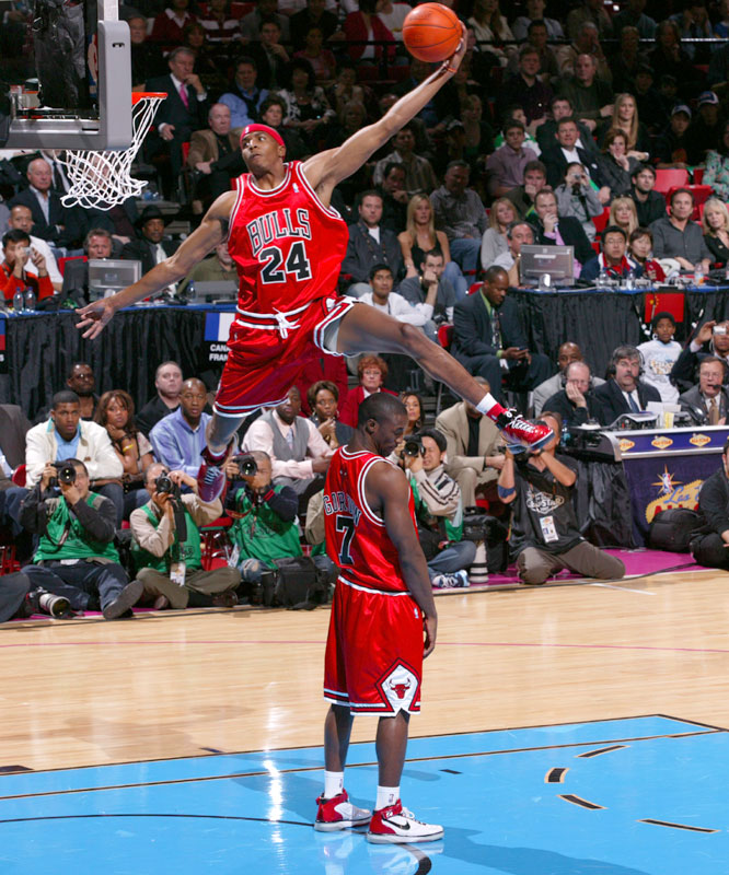 The Bulls' Tyrus Thomas jumped over teammate Ben Gordon during the Slam Dunk contest, but failed to advance past the first round.