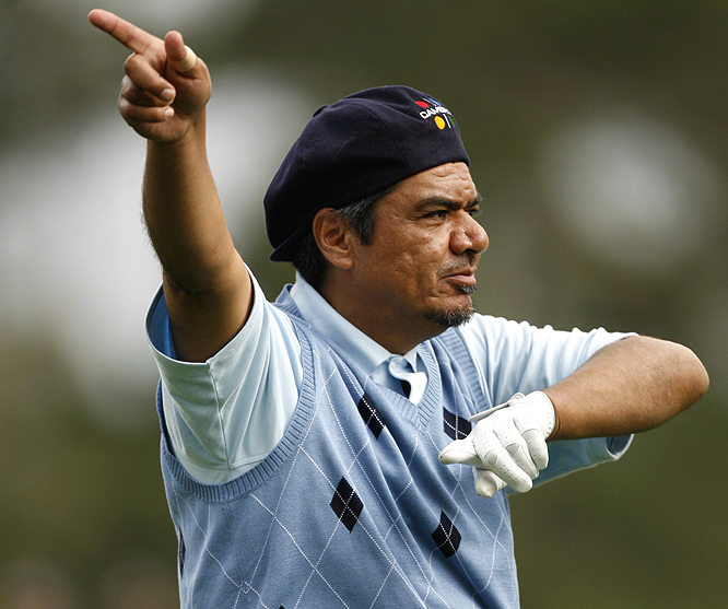 Is George Lopez pointing to where his drive went?